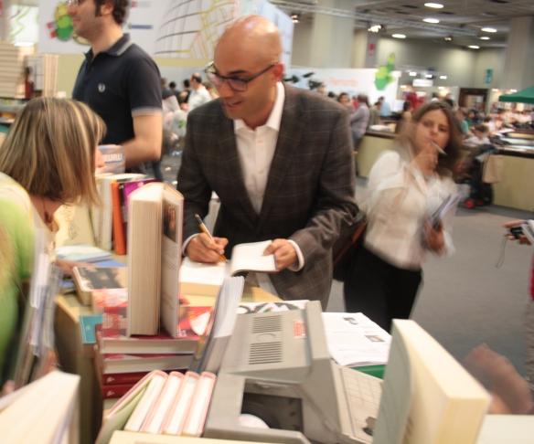 Io e Ayad Akhtar - La donna che mi insegnò il respiro Ed. Mondadori 2012